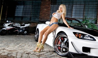 Girls and Cars Slide 3